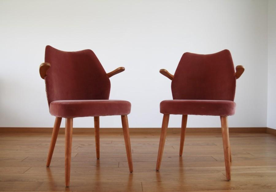 Minimalistiniai kokteiliniai krėsliukai. Persikinis aksomas.