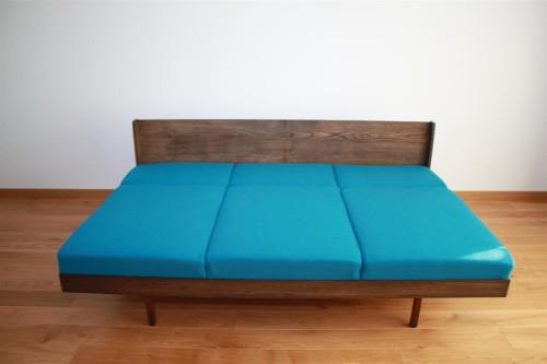 Čekiška sofa-lova. Vilnos audinys